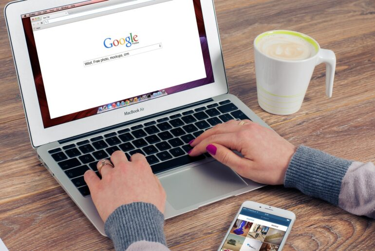 Google Search Suggestions for keywords